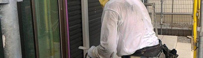 外壁塗装埼玉県川島町上狢より エアコンスリムダクト上塗り作業