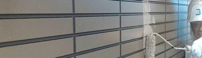 外壁塗装埼玉県桶川市北より サイディング壁上塗り作業