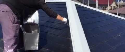 外壁塗装埼玉県白岡市新白岡より コロニアル屋根下塗り作業