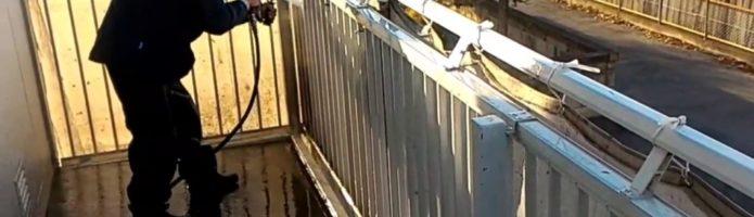 外壁塗装埼玉県吉見町下細谷より 共用廊下高圧洗浄作業