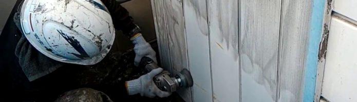 外壁塗装埼玉県川越市岸町より 金属サイディングのサンダーケレン作業
