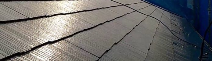 外壁塗装埼玉県富士見市諏訪より コロニアル屋根の上塗り作業