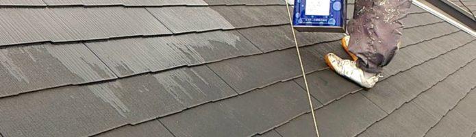外壁塗装埼玉県富士見市諏訪より コロニアル屋根の下塗り作業