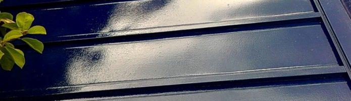 外壁塗装埼玉県川越市石原町より トタン屋根の上塗り作業