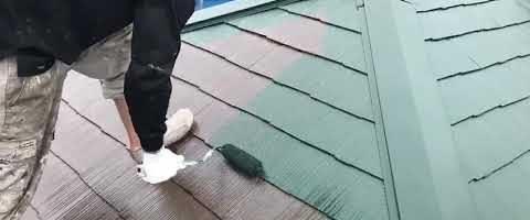 外壁塗装埼玉県川越市伊勢原町より コロニアル屋根の上塗り作業