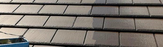 屋根塗装の上塗り作業を行いました