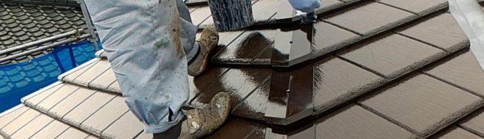 外壁塗装東京都東久留米市小山より 屋根トタン部の錆止め塗装作業
