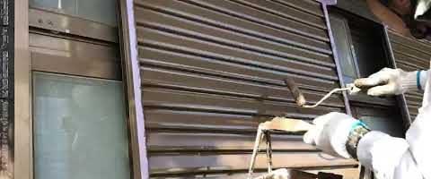 雨戸上塗り作業 外壁塗装埼玉県富士見市山室現場より