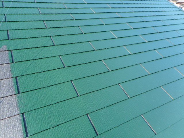 コロニアル屋根の上塗り1回目
