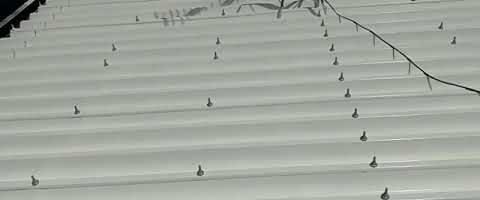 折半屋根ボルトキャップ塗装 外壁塗装埼玉県川越市西小仙波町より