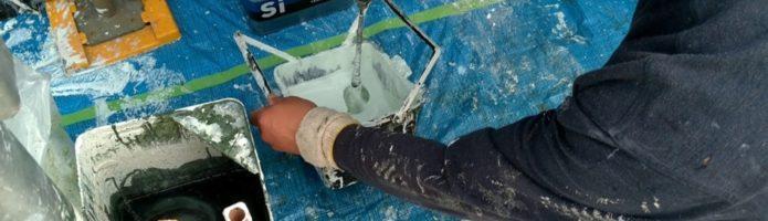2液性塗料の撹拌作業|外壁塗装埼玉県川越市西小仙波町より
