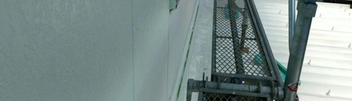 弱溶剤2液性シリコンで外壁の上塗りをしました 外壁塗装埼玉県川越市西小仙波町より
