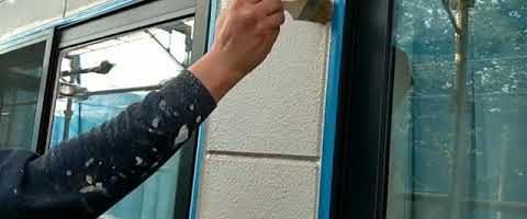 シーリングのプライマーを塗りました|外壁塗装埼玉県川越市仙波町現場で塗替えリフォーム施工中