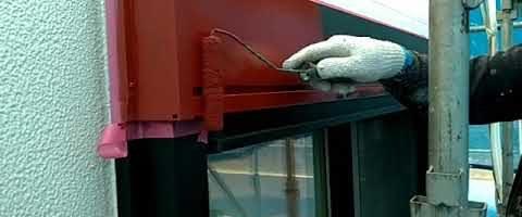 シャッターBOXに錆止めを塗装しました|外壁塗装埼玉県川越市仙波町現場で塗替えリフォーム施工中