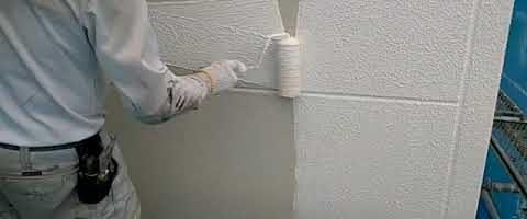 多孔質ローラーでパターン塗りを行いました|外壁塗装埼玉県川越市並木西町現場で塗替えリフォーム施工中