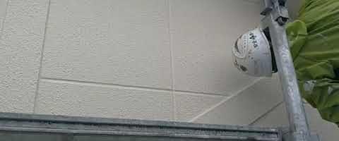 塗り残しが無いか確認中です|外壁塗装埼玉県川越市岸町現場で塗替えリフォーム施工中