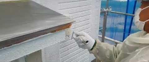 多孔質ローラーでパターン塗り|外壁塗装埼玉県川越市岸町現場で塗替えリフォーム施工中