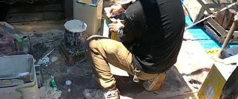 塗料の配合作業|外壁塗装埼玉県川越市旭町現場で塗替えリフォーム