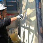 ALC壁の上塗り作業|外壁塗装埼玉県川越市旭町現場で塗替えリフォーム施工中です