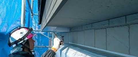 軒天をビルデックNEOで塗装しました|外壁塗装埼玉県川越市南田島現場で塗替えリフォーム施工中