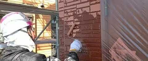 窯業系サイディング壁の2色塗り|外壁塗装埼玉県川越市南田島現場で塗替えリフォーム施工中です