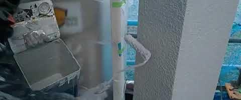 外壁上塗り作業l埼玉県川越市南台現場で塗替えリフォーム施工中