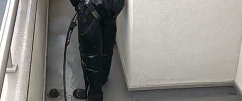 高圧洗浄塗装作業2l埼玉県川越市久下戸現場で塗り替えリフォーム施工中