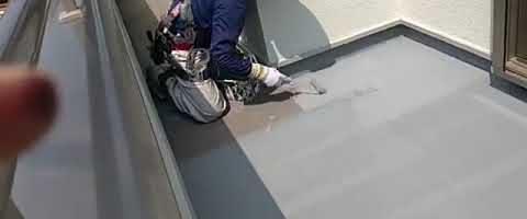 ベランダ床塗装作業l埼玉県川越市久下戸現場で塗り替えリフォーム施工中