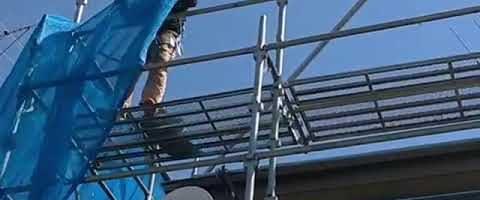メッシュシート張り作業l埼玉県川越市南田島現場で塗り替えリフォーム施工中